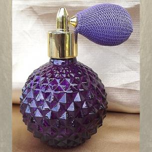 Vaporisateur de parfum poire courte parme 110 ml verre violet à facettes vide et rechargeable Poire rétro courte - Au pays de...