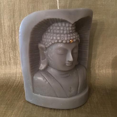 Bougie bouddha sculpture sur bois artisanale décorative cire naturelle de soja,  250 parfums disponibles profil