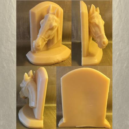 Bougie cheval sculpture 16 cm  artisanale décorative cire naturelle de soja, 250 parmi parfums disponibles 4 faces