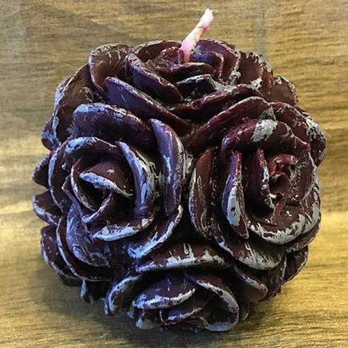 Bougie  décorative sculpture boule de roses artisanale cire naturelle de soja parfum caramel beurre salé