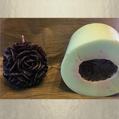 Bougie  décorative sculpture boule de roses artisanale cire naturelle de soja parfum caramel beurre salé  avec moule