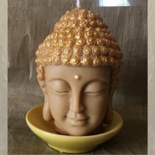 Bougie Bouddha décorative sculpture artisanale cire naturelle de soja avec soucoupe parfum fleur de tiaré poudrée.