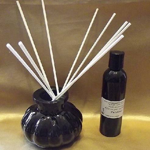 Diffuseur par capillarité bâtons blancs en coton blanc vase noir parfum sans alcool