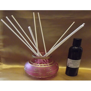 Diffuseur par capillarité bâtons blancs vase rose et frise or, parfum sans alcool
