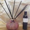 Diffuseur par capillarité bâtons noirs vase rose et frise or, parfum sans alcool