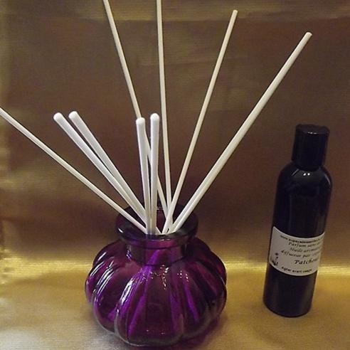 Diffuseur par capillarité bâtons en coton blanc, vase parme parfum sans alcool