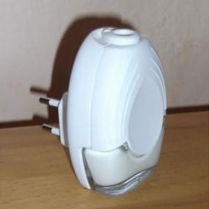 Diffuseur liquide prise électrique rotative senteurs aromatiques sans alcool, 250 senteurs disponibles