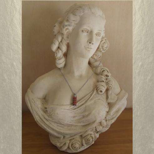 Collier fiole à parfum bois et  argent strass CRISTAL DE SWAROVSKI LILAC SHADOW sur buste mannequin