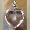 Fiole pendentif diffuseur de parfum en cristal cœur facettes rose gravée