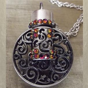 Collier pendentif fiole à parfum CRISTAL DE SWAROVSKI VOLCANO filigrane rond 3D relief argent vieilli artisanal