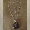 Collier pendentif fiole à parfum CRISTAL DE SWAROVSKI VOLCANO filigrane rond 3D relief argent vieilli entier artisanal