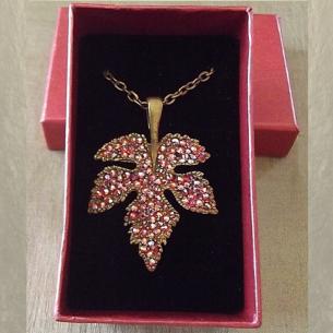Collier pendentif CRISTAL DE SWAROVSKI HYACINTH AB feuille 3D bronze fabrication artisanale à la main dans coffret cadeaux