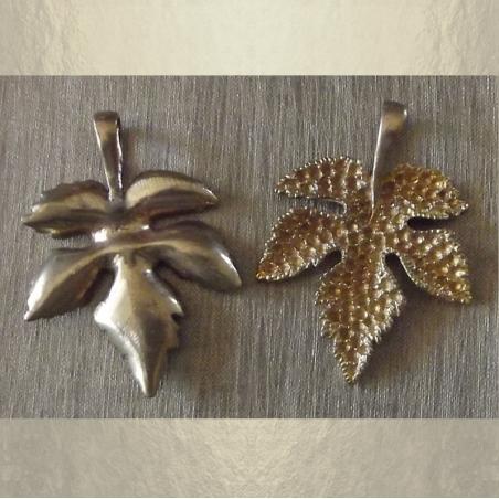 Pendentif  feuille 3D bronze fabrication artisanale à la main  base