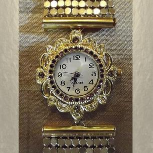 Montre bracelet Cristal de Swarovski artisanale 2 en 1 couleur or cotte de maille  - 2