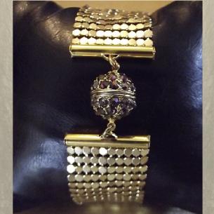 Montre bracelet Cristal de Swarovski artisanale 2 en 1 couleur or cotte de maille  - 3