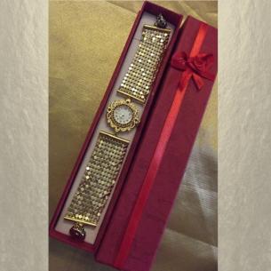 Montre bracelet Cristal de Swarovski artisanale 2 en 1 couleur or cotte de maille  - 4