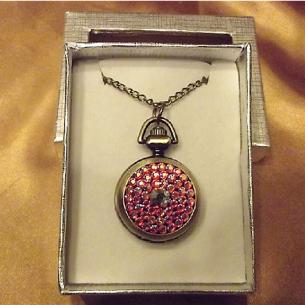 Montre CRISTAL DE SWAROVSKI  FIRE OPAL AB à gousset et miroir sautoir bronze décoration artisanale dans coffret cadeau