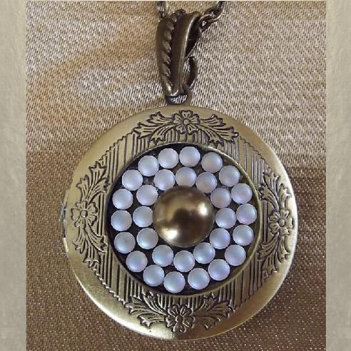 Collier pendentif porte photo Cristal de SWAROVSKI bronze artisanal  - 1