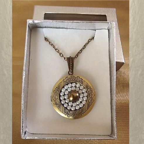 Collier pendentif porte photo CRISTAL DE SWAROVSKI FROSTED AB métal bronze coffret cadeaux