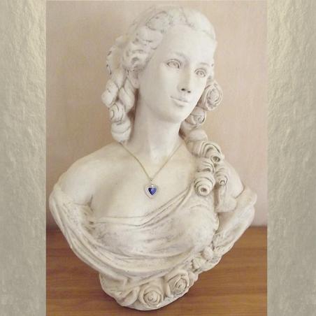 Collier CRISTAL DE SWAROVSKI COEUR  Réf  6231 vintage plaqué or artisanal sur buste mannequin