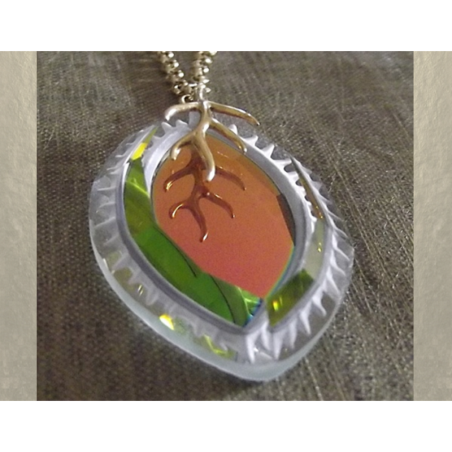 Collier pendentif vintage Cristal de Swarovski marquise plaqué or artisanal