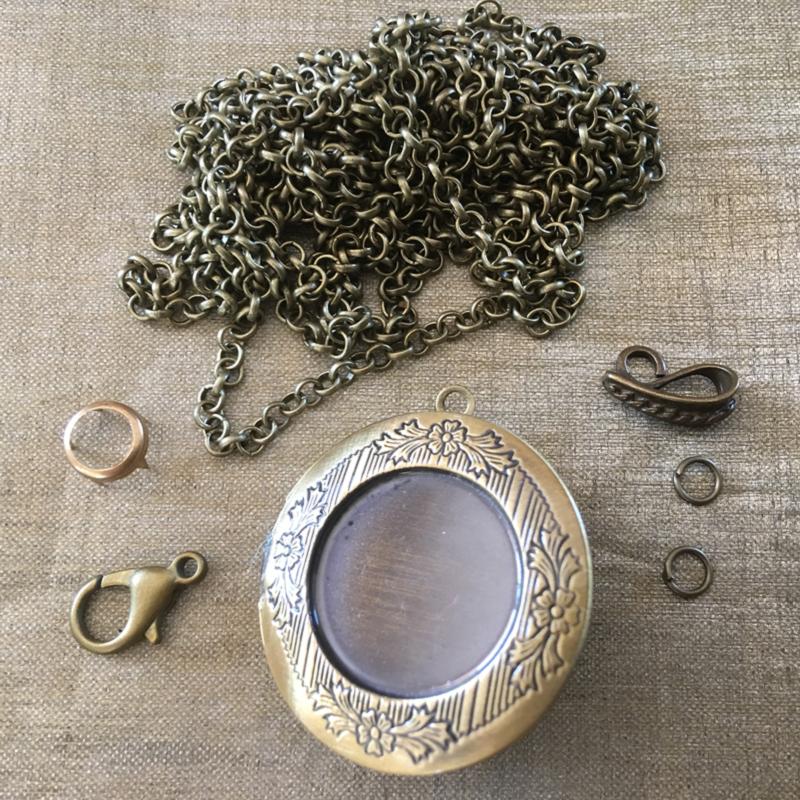Collier pendentif porte photo bronze artisanal base