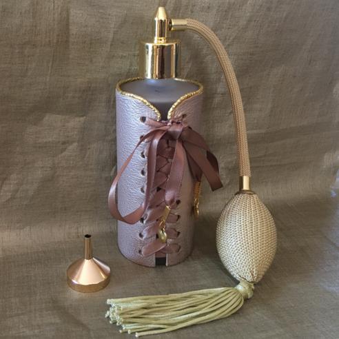 Vaporisateur de parfum corset en cuir artisanal