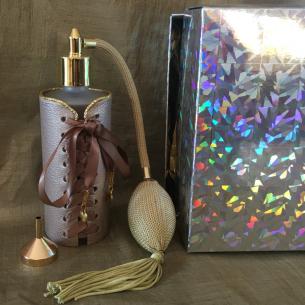 Vaporisateur de parfum cuir modèle corset Vaporisateurs de parfum