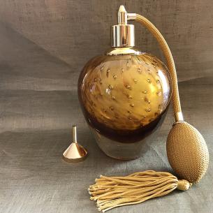 Vaporisateur de parfum poire de luxe verre artisanal 90 ml marron et or vide et rechargeable avec petit entonnoir métal or