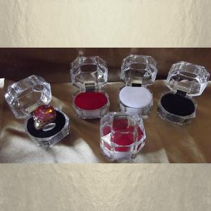 Écrin bague plastique cristal transparent 3 couleurs au choix  - 1