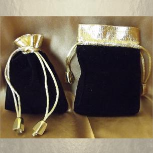 Pochette / sac / pochon en velours noir avec bordure couleur or et petites perles cordon or 11,5 x 8,5 cm  - 1