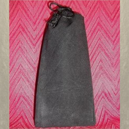 Pochette cadeaux, sac, pochons en tissus suédine noir 10 cm X 22 cm  - 1