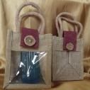 Pochette cadeaux toile de jute rabat bordeaux avec anses et fenêtre PVC/ sac / pochon