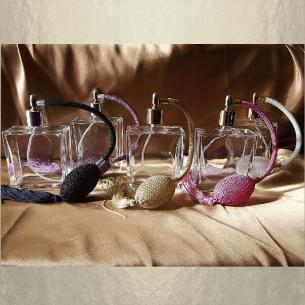 Vaporisateur de parfum poire vide et rechargeable carré 100 ml Vaporisateurs de parfum - Au pays des senteurs