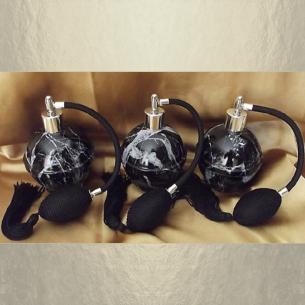 Vaporisateur de parfum noir forme boule coque effet marbre 125 ml vide et rechargeable Vaporisateurs de parfum